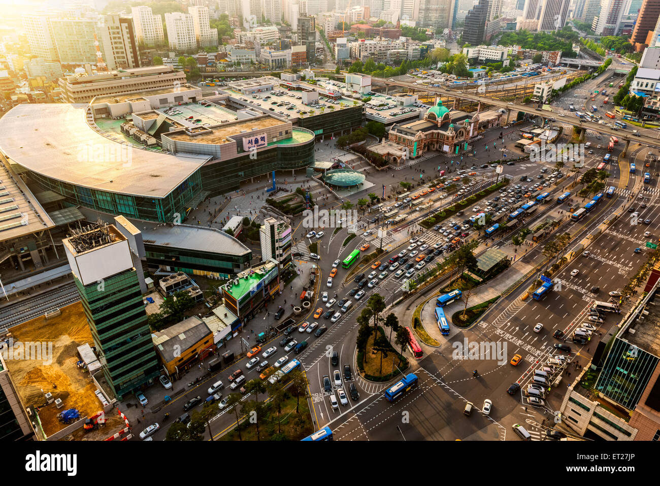 Seoul Station in late afternoon during rush hour. - Stock Image