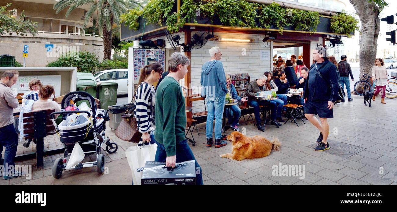 TEL AVIV, ISR - APR 06 2015:Rothschild Boulevard in Tel Aviv,Israel.It's one of the most expensive streets in - Stock Image