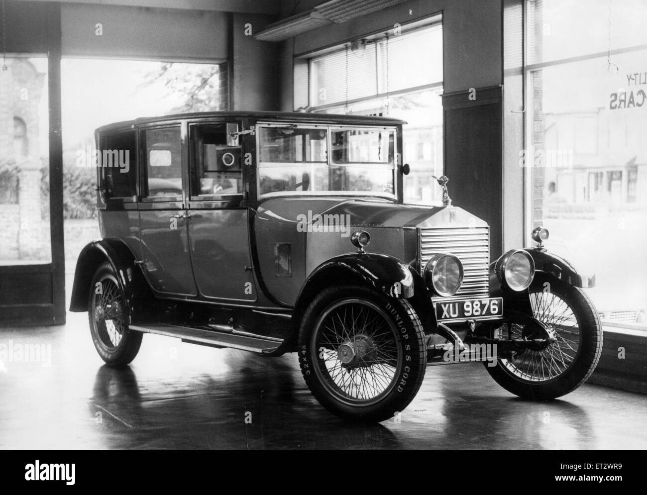 1924 Landaulette Rolls Royce Thompson Hart, at Breckon Hill Motors, Middlesbrough, 26th June 1966. - Stock Image