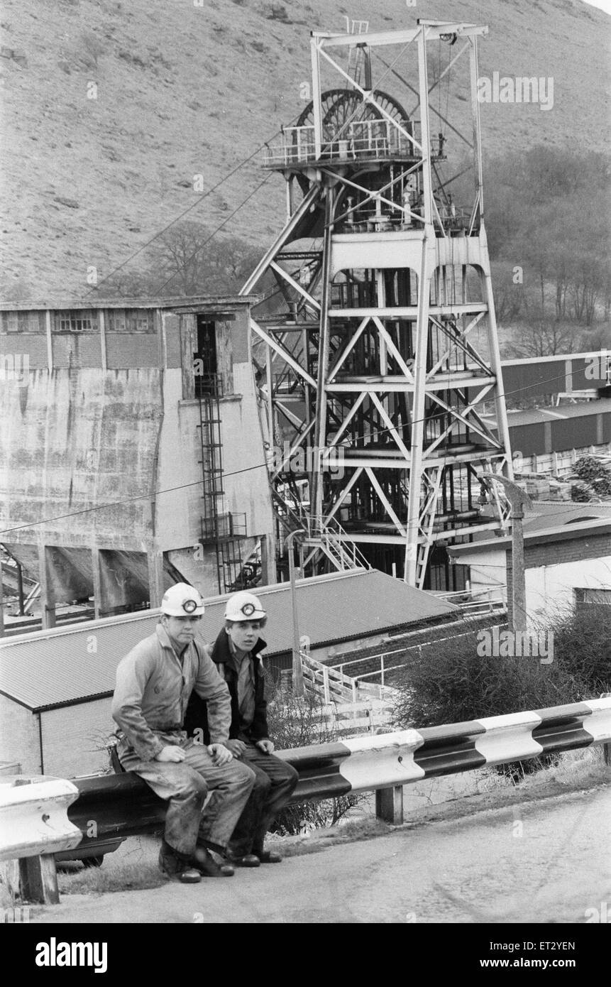 Coal miners Phillip Jenkins (left) and Chris Lee seen here at the Taff Merthyr Colliery, South Wales. 23rd March - Stock Image