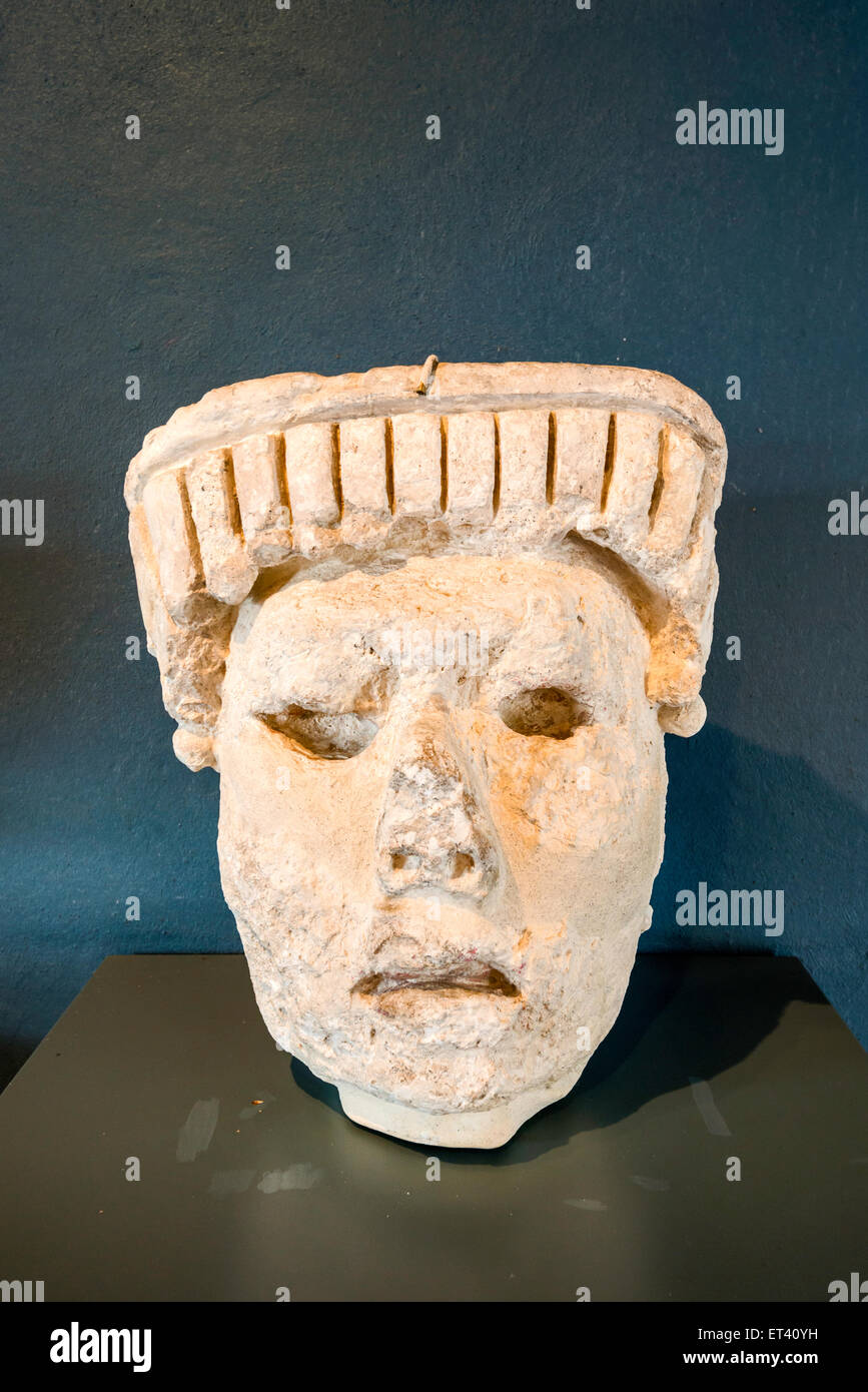 Stucco head, museum at Maya ruins archaeological site in Comalcalco, Tabasco state, Mexico - Stock Image