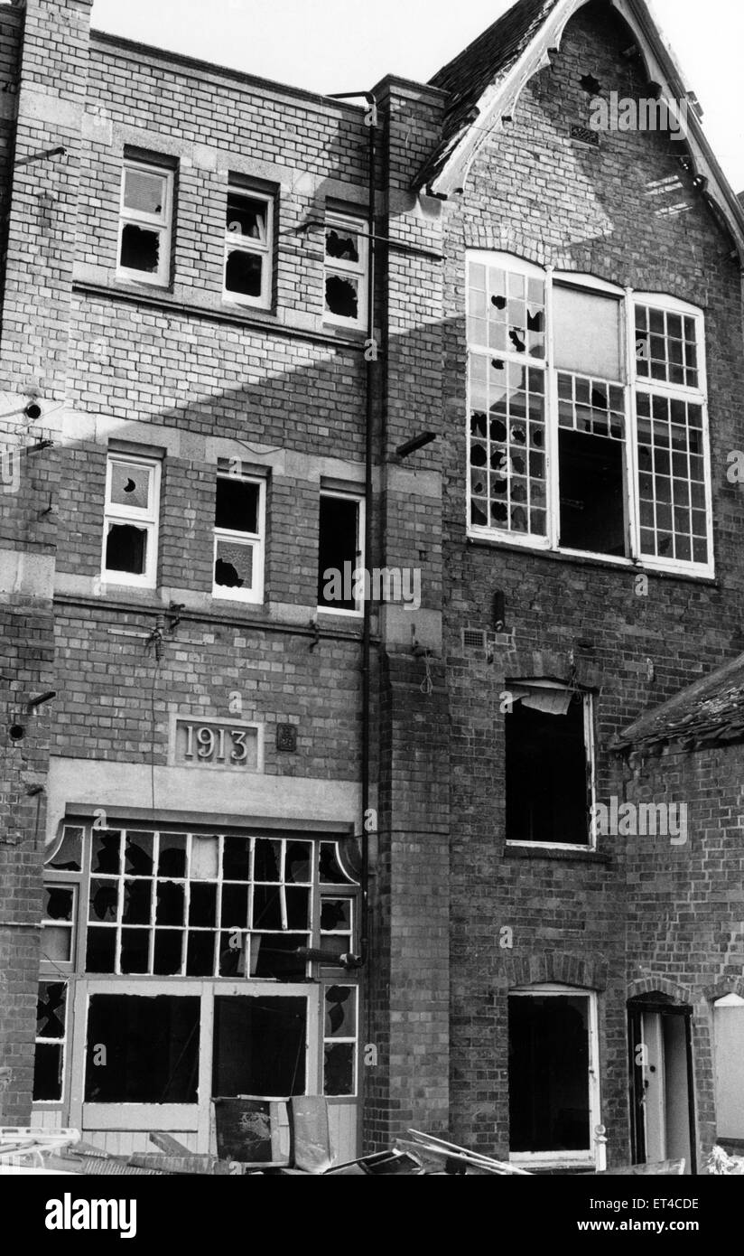 Gradually the former premises of J & J Cash in Kingsfield Road, Coventry are being demolished. The premises - Stock Image