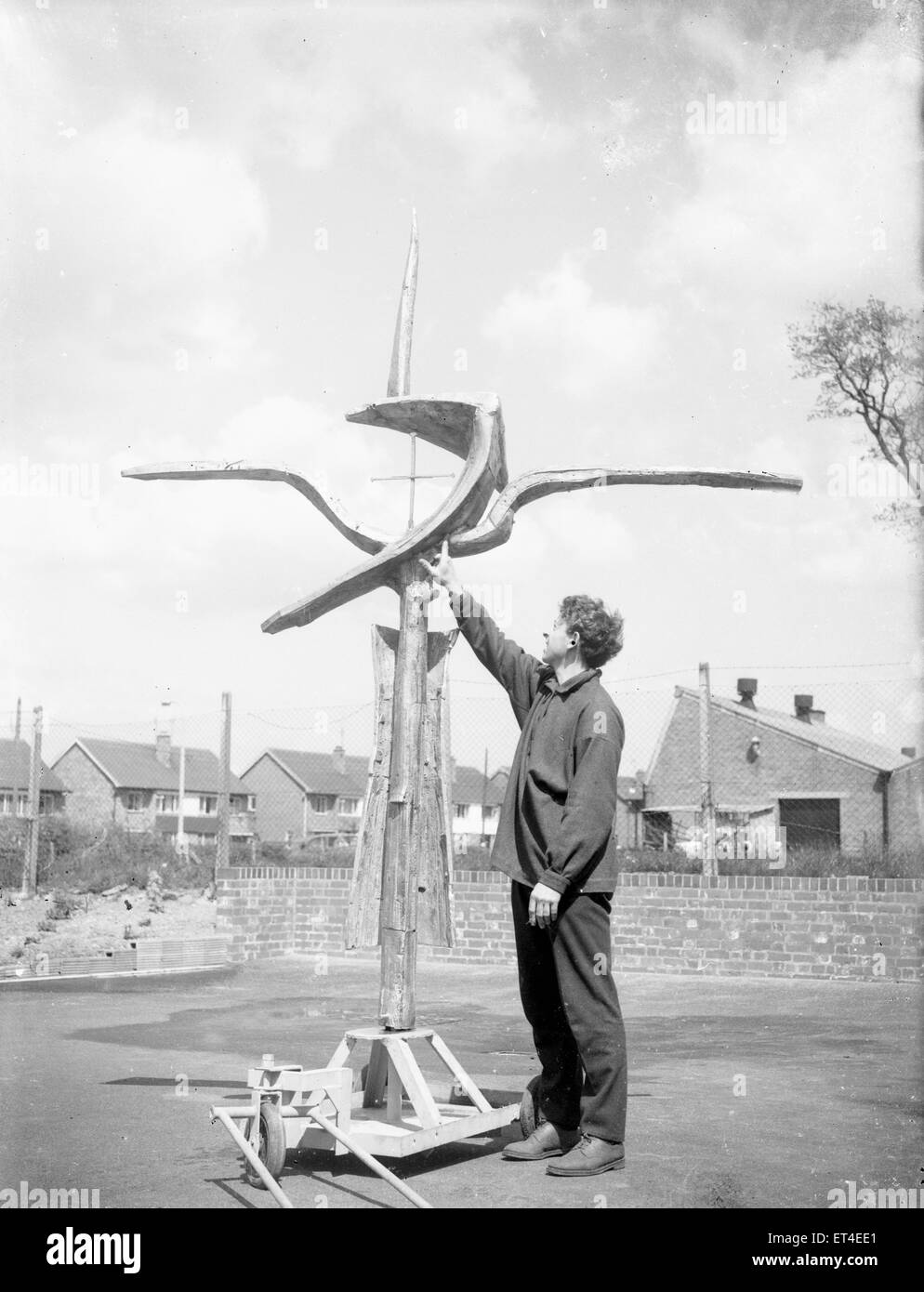 The cross of nails created by Geoffrey Clarke for the high alter at the newly built Coventry Cathedral has a final Stock Photo