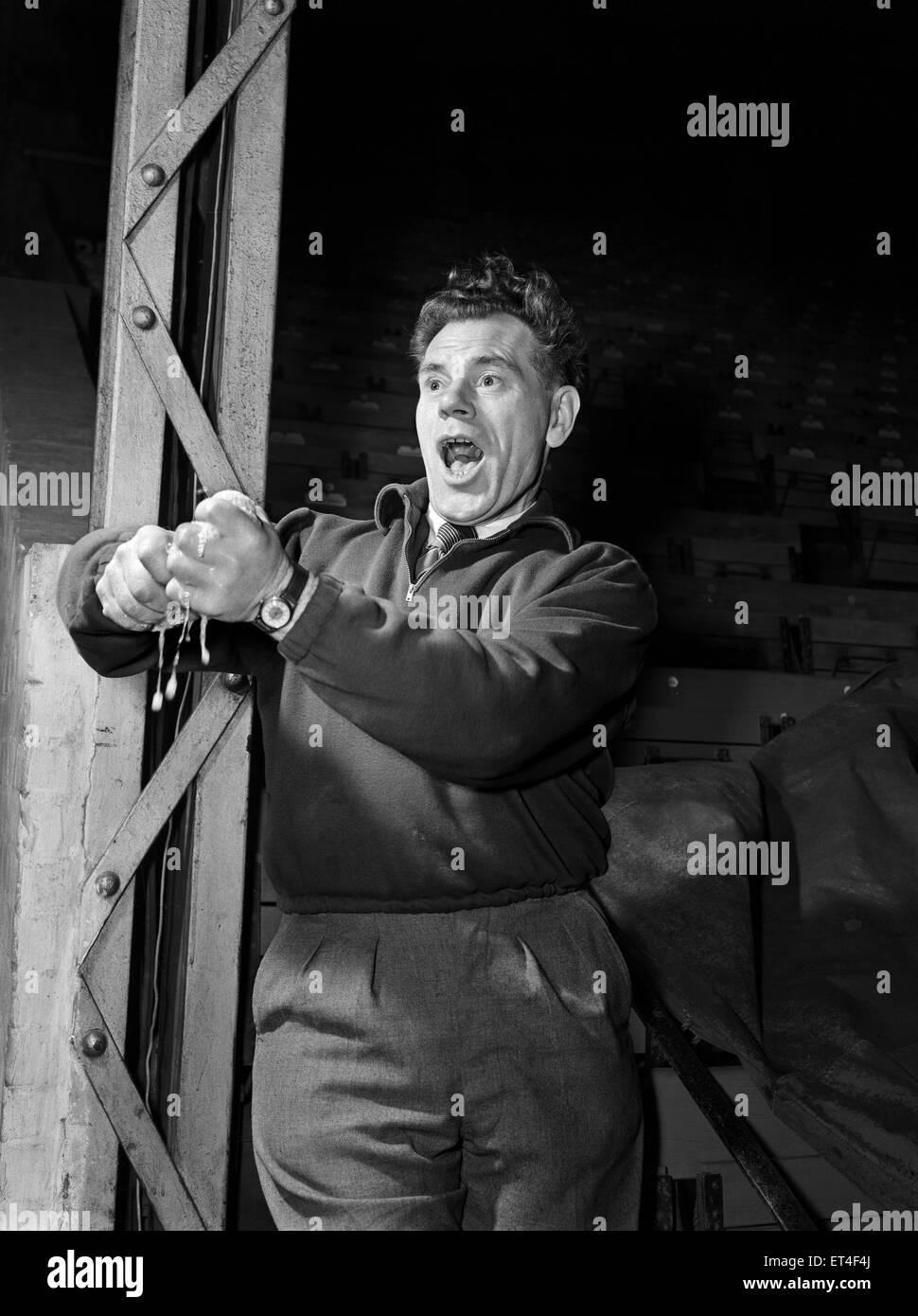 Charlton Athletic  trainer Jimmy Trotter. 20th November 1952. - Stock Image