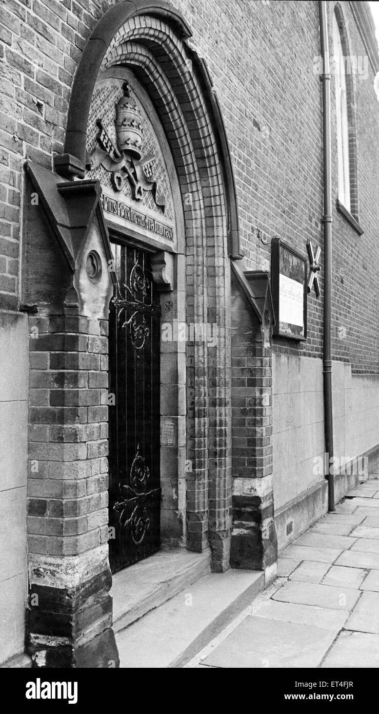 Exterior view of St. Peters Church at St Peter's Place, Broad Street in central Birmingham. May 1969. - Stock Image