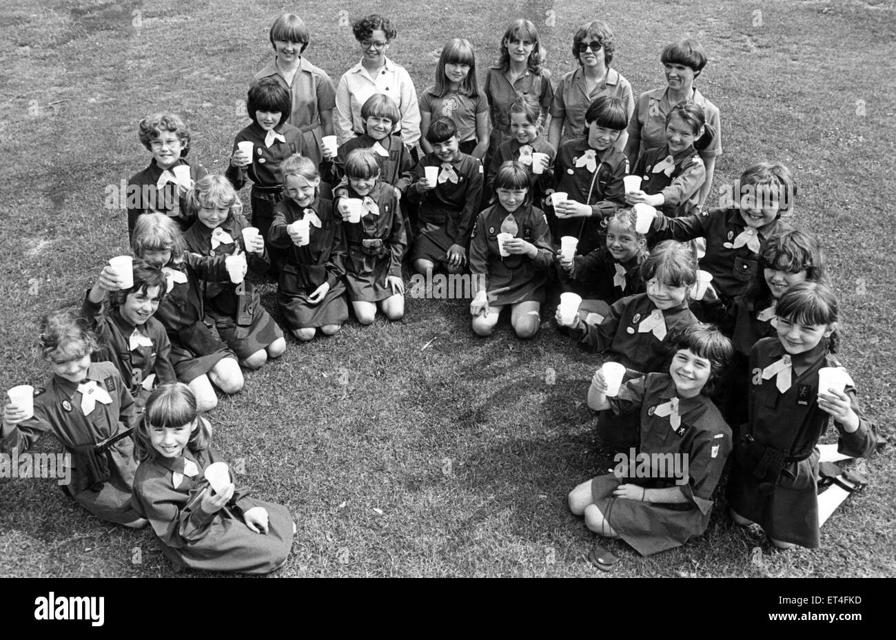 The girls from the 1st Teesville Brownie pack from Eston. 2nd June 1982. - Stock Image