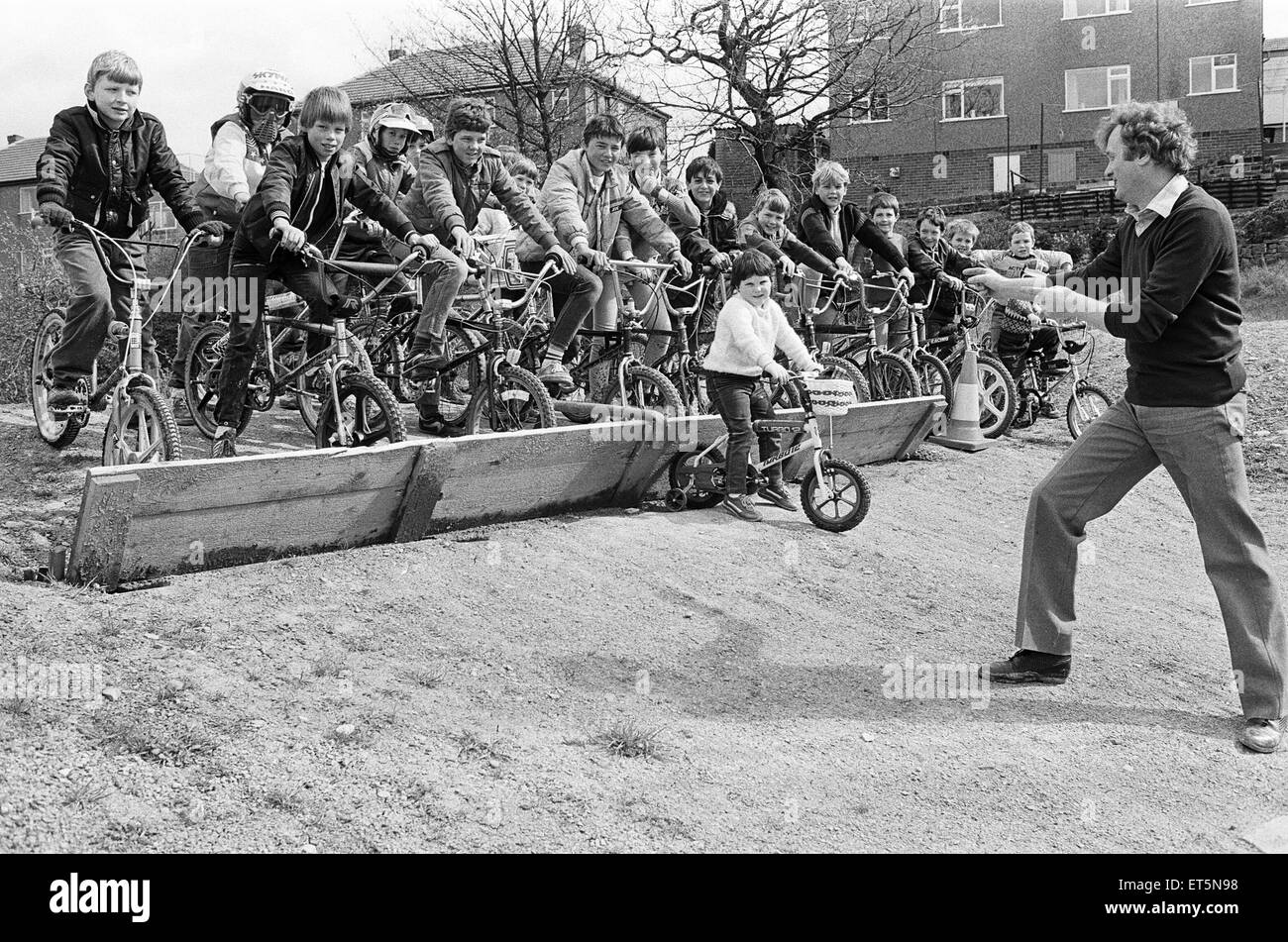 Ready for the off - youngsters try out the newly-completed BMX cycling track at Greenside Working Men's Club, - Stock Image