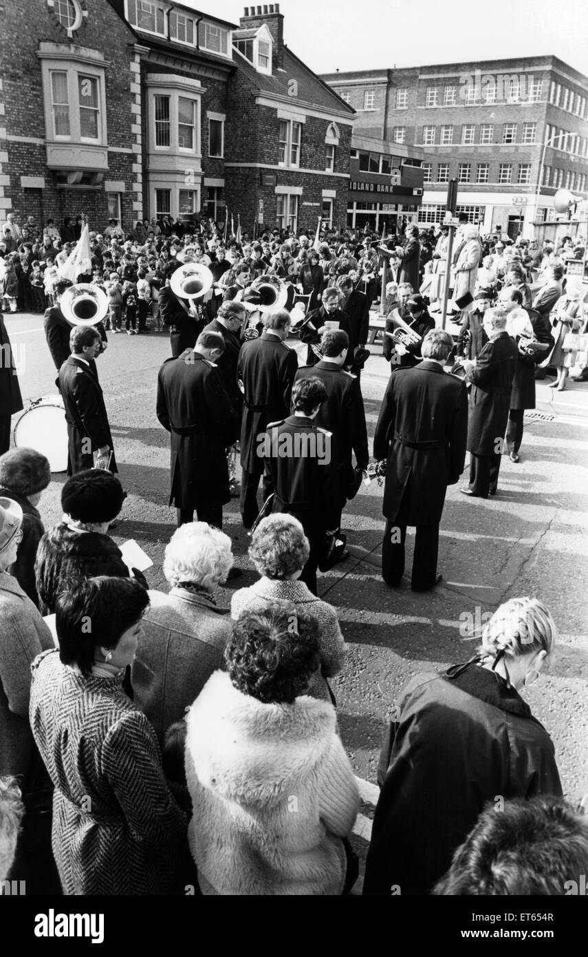 Open air Easter Service at North Shields, 1988. - Stock Image