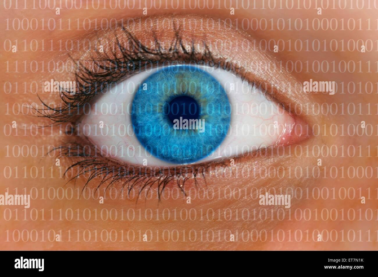 Detailaufnahme Auge mit Iris, Zahlenkolonnen als Symbolbild Speicherung personenbezogener Daten | eye and columns of figures, sy Stock Photo
