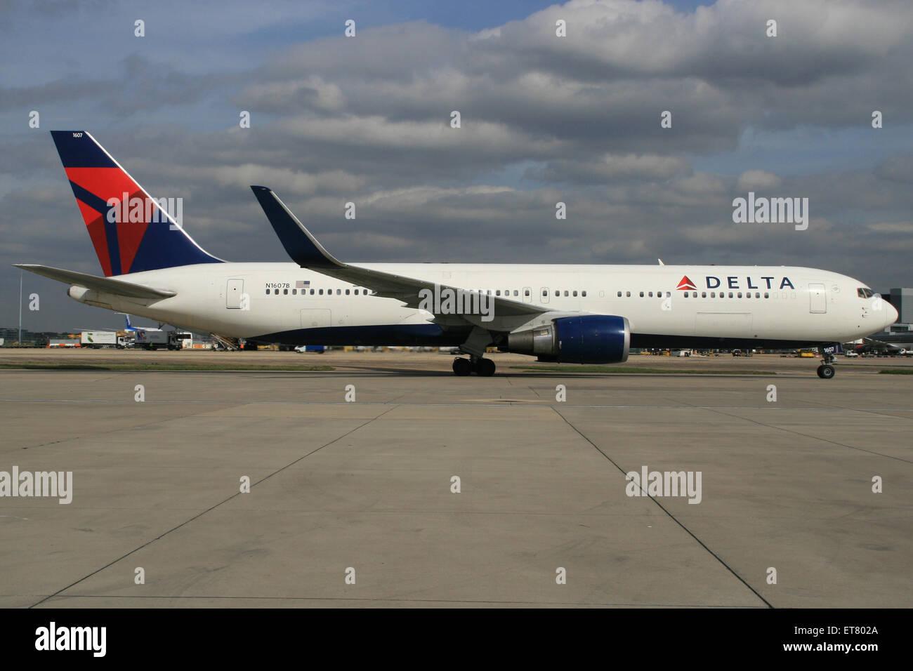 DELTA 767 WINGLETS - Stock Image