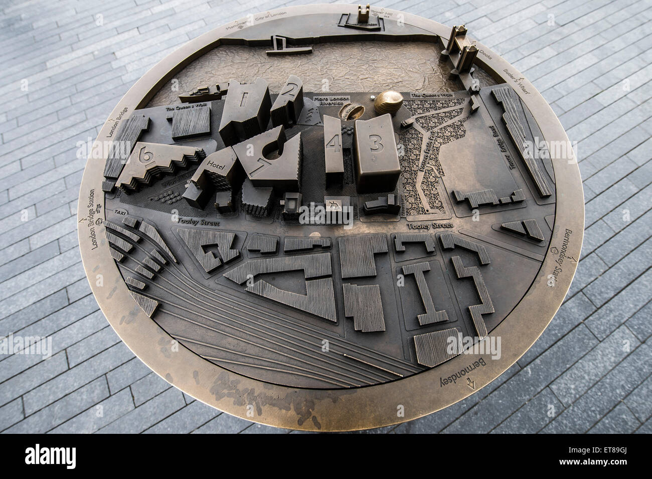 Brass 3D map of the surrounding area of more London and the River Thames - Stock Image
