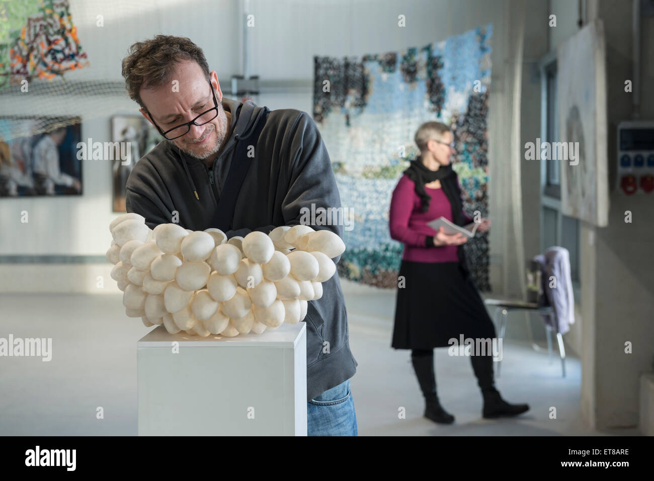 Couple in an art museum, Bavaria, Germany - Stock Image