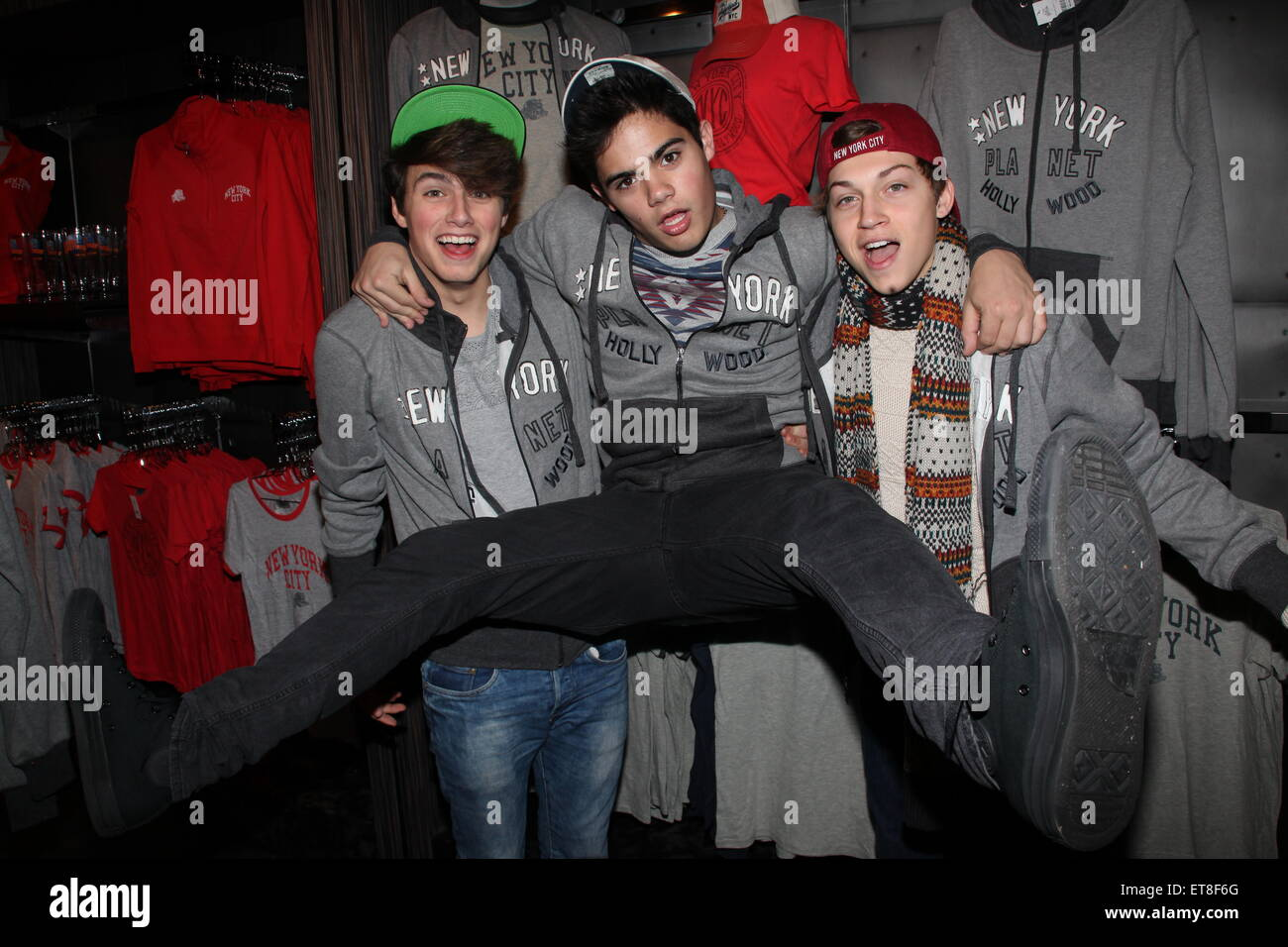 Planet hollywood hosts a forever in your mind meet and greet with 36 planet hollywood hosts a forever in your mind meet and greet with 36 children from a new york homeless shelter featuring ricky garcia emery kelly m4hsunfo