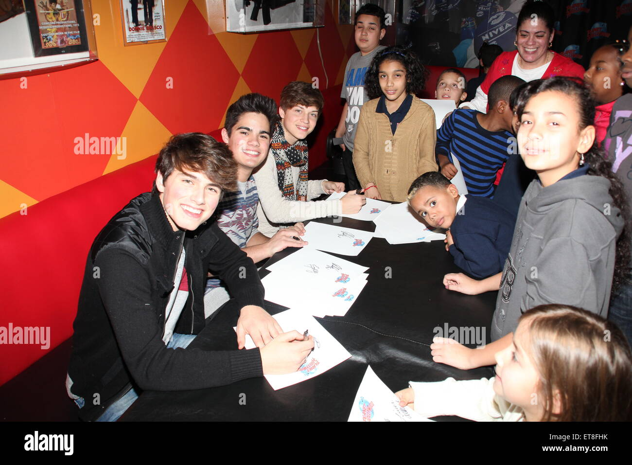 Ricky garcia emery kelly liam stock photos ricky garcia emery planet hollywood hosts a forever in your mind meet and greet with 36 children from a m4hsunfo