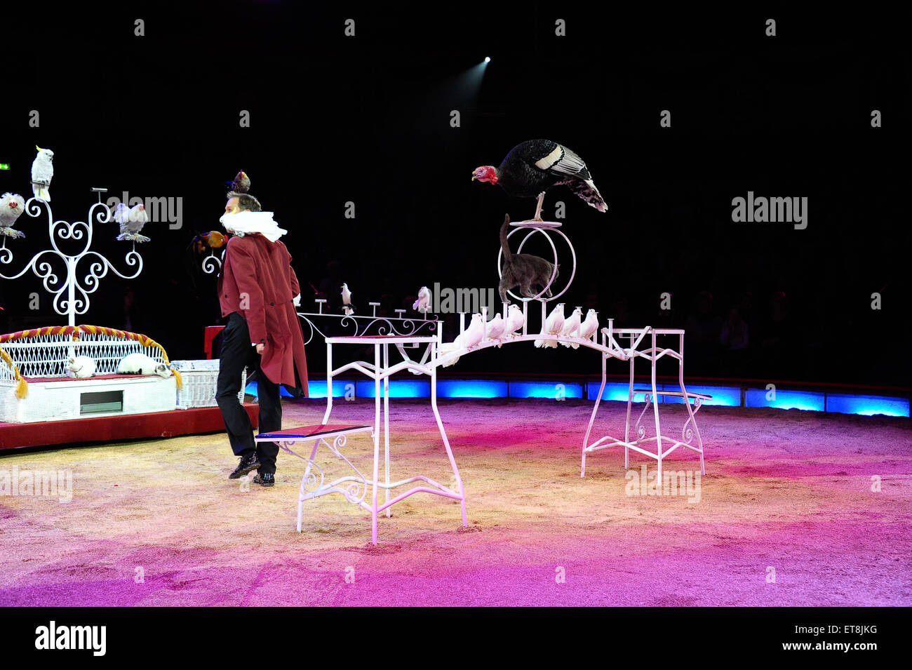 Premiere of the winter program of circus Krone  Featuring: Krenzola Jr.mit Kleintier Revue Where: Munich, Germany Stock Photo