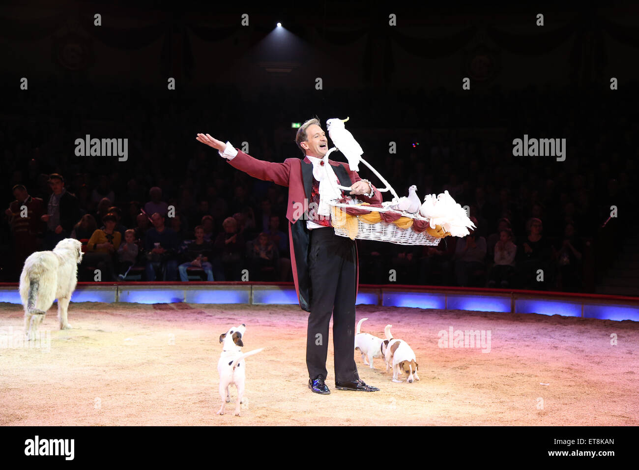 Premiere of the winter program of circus Krone  Featuring: Krenzola Jr.mit Kleintier Revue Where: Munich, Germany Stock Photo