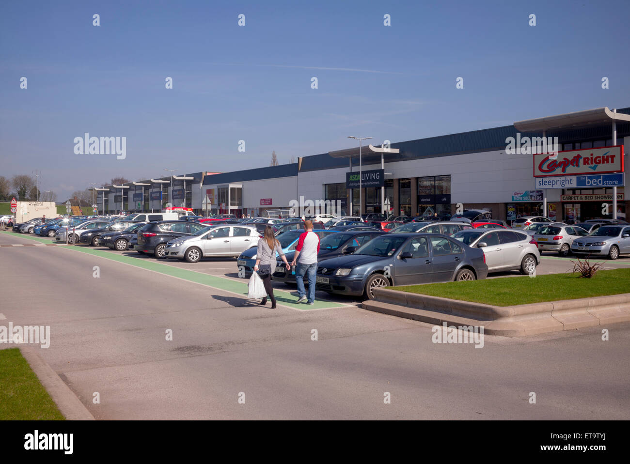 A large out of town popular retail park at Stafford, Staffordshire, with a variety of units and plenty of car parking - Stock Image