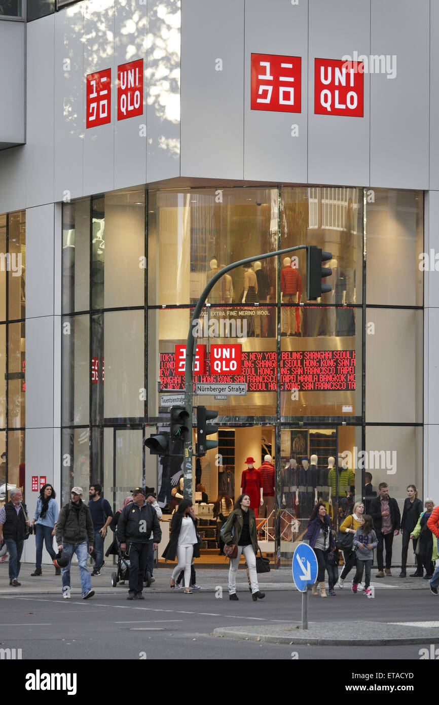 uniqlo alexanderplatz