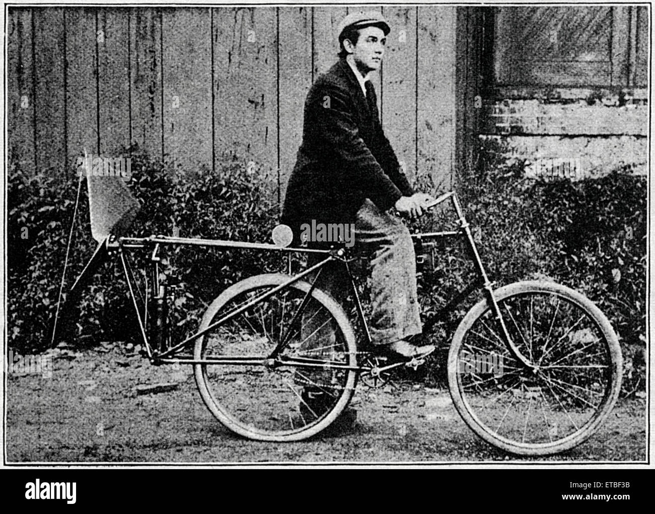 Man on Fan-Motor Bicycle, Racine, Wisconsin, USA, circa 1896 - Stock Image