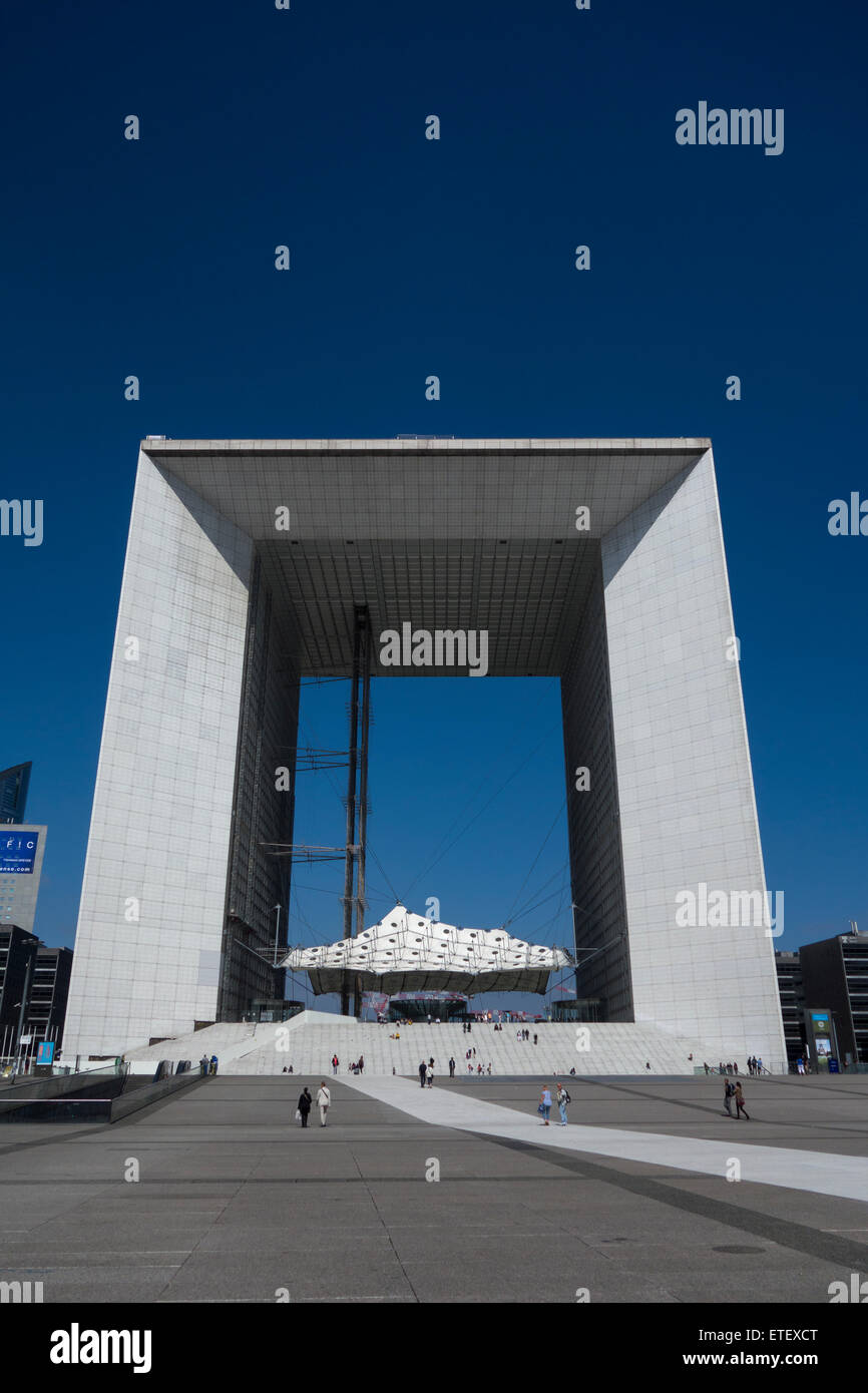 La Grande Arche at la Défense (completed 1989), Puteaux, near Paris, France Stock Photo