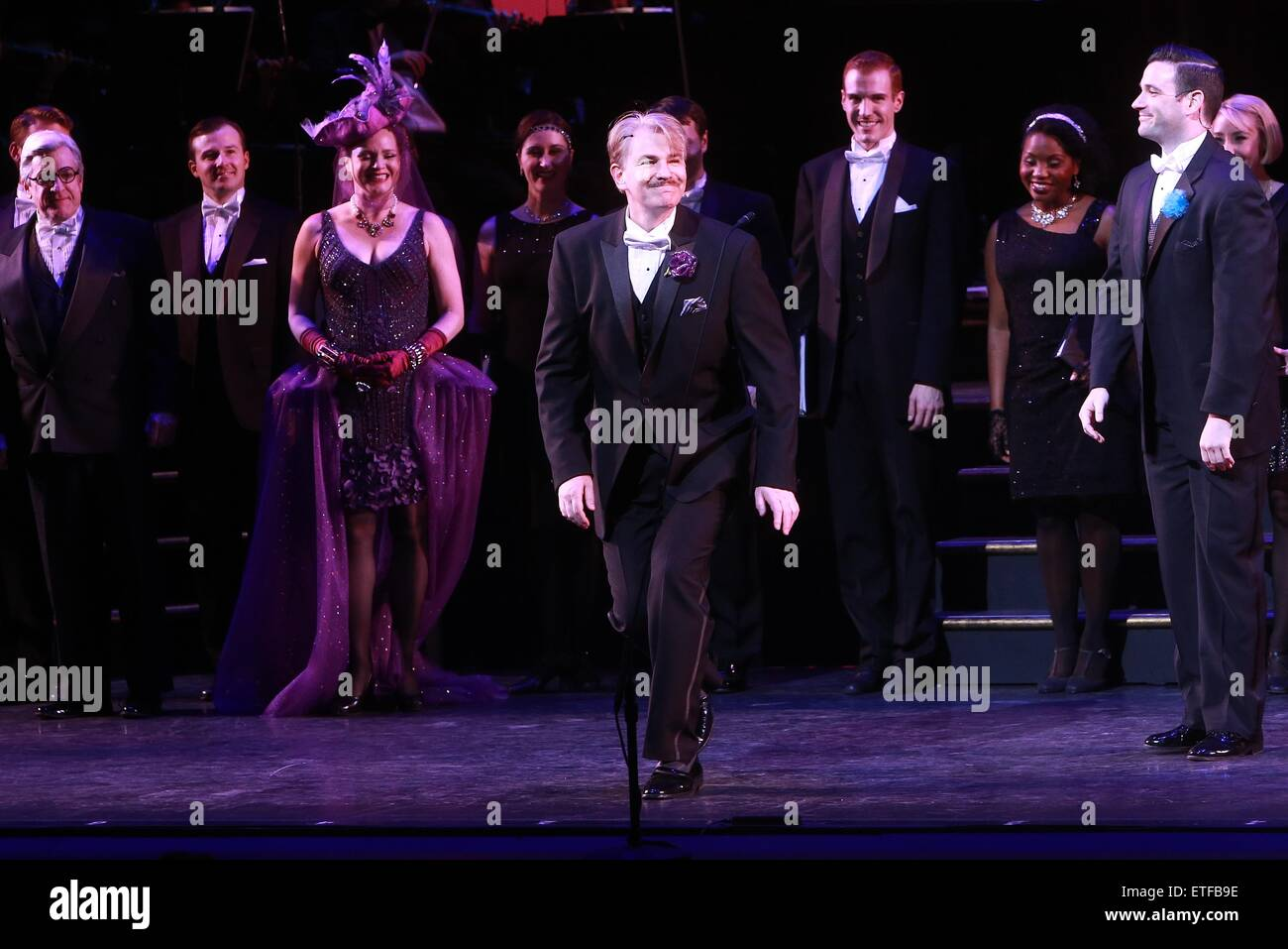 Closing night curtain call for Encores! production of Lady Be Good at NY City Center.  Featuring: Douglas Sills - Stock Image