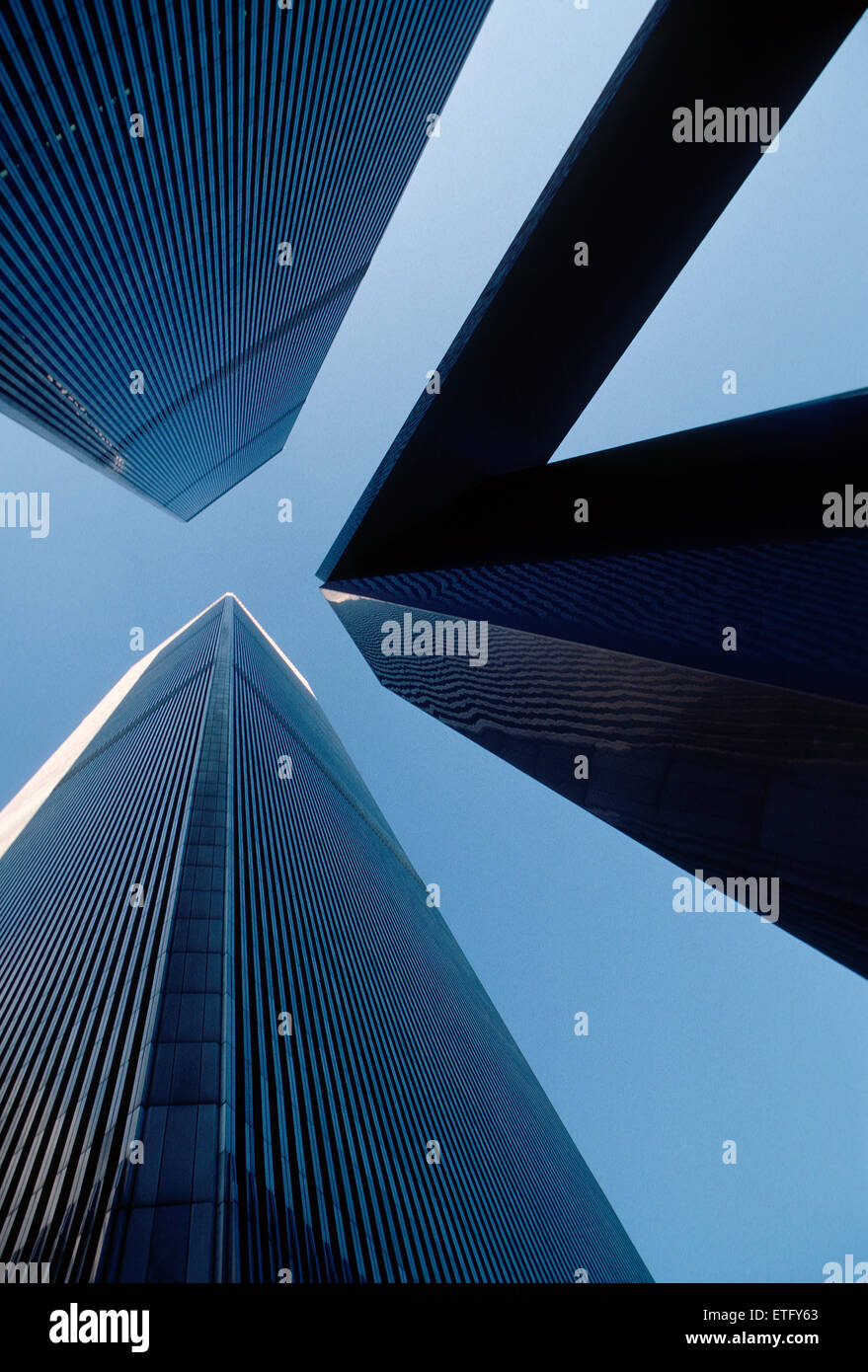 World Trade Center towers framed by modern sculpture, New York, New York, USA - Stock Image