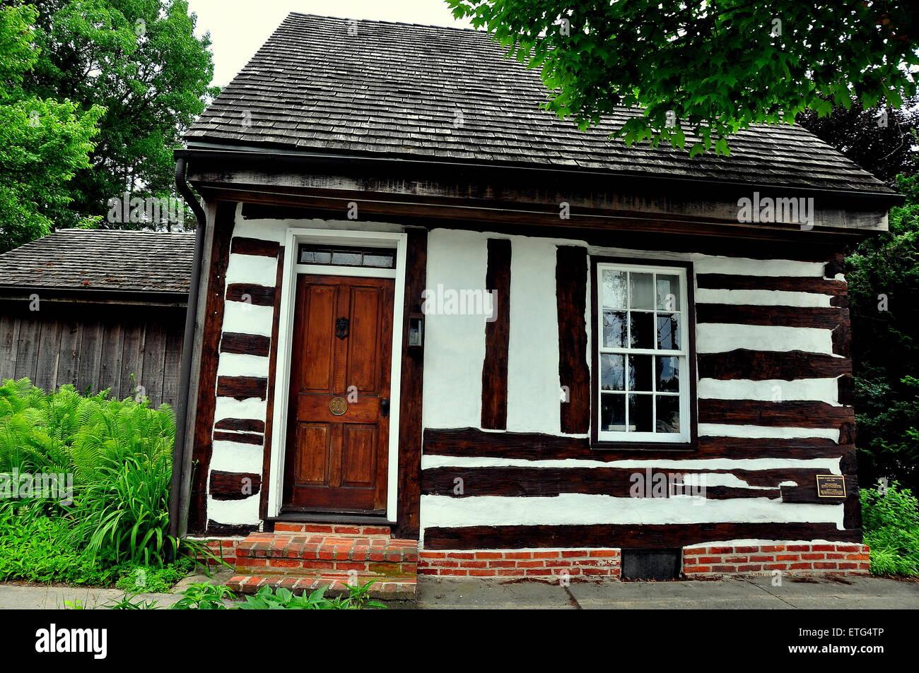 Lititz, Pennsylvania:  A fachwerk half-timbered 18rh century cottage on Market Street  * - Stock Image