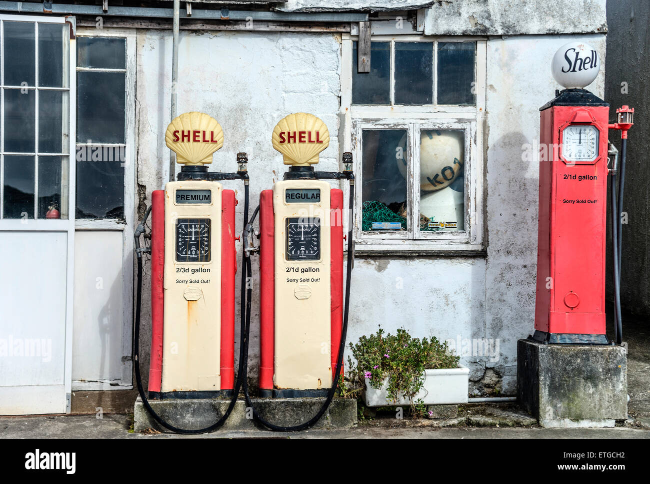 Old petrol station at the harbour of the fishing village St Mawes, Cornwall, United Kingdom, England. - Stock Image