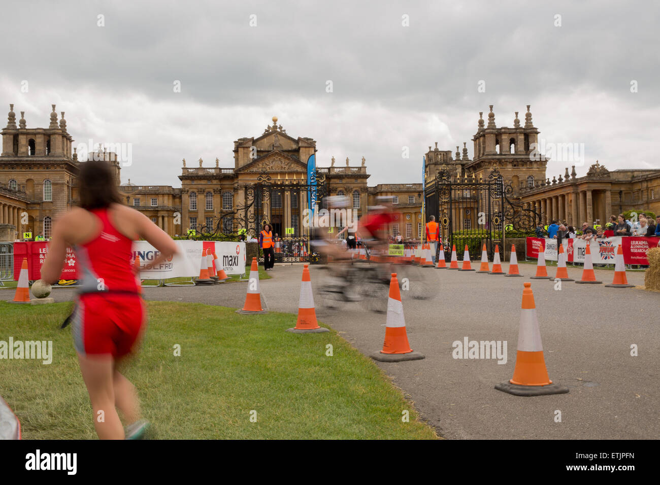 Oxford, UK. 14th June, 2015. Blenheim Palace Triathlon. Credit:  Pete Lusabia/Alamy Live News - Stock Image