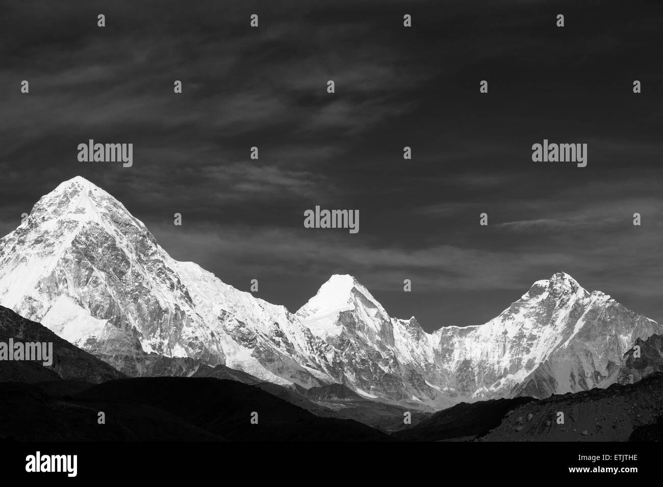 ( left to Right ) Pumo Ri, Lingtren, Khumbutse mountains, Everest base camp trek, Sagarmatha National Park, UNESCO - Stock Image