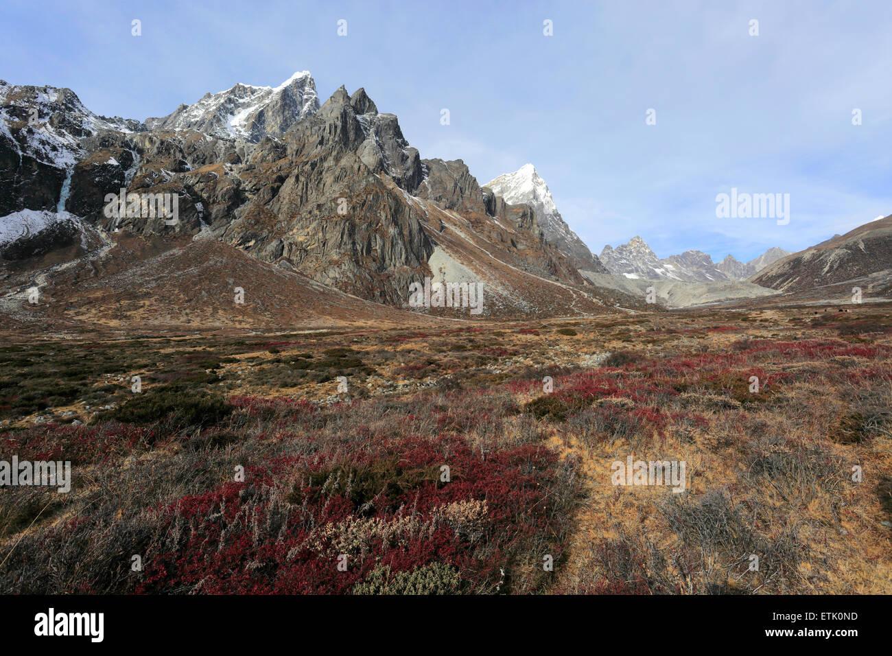 Pass of Pheriche, near Pheriche village, Everest base camp trek, UNESCO World Heritage Site, Sagarmatha National Stock Photo