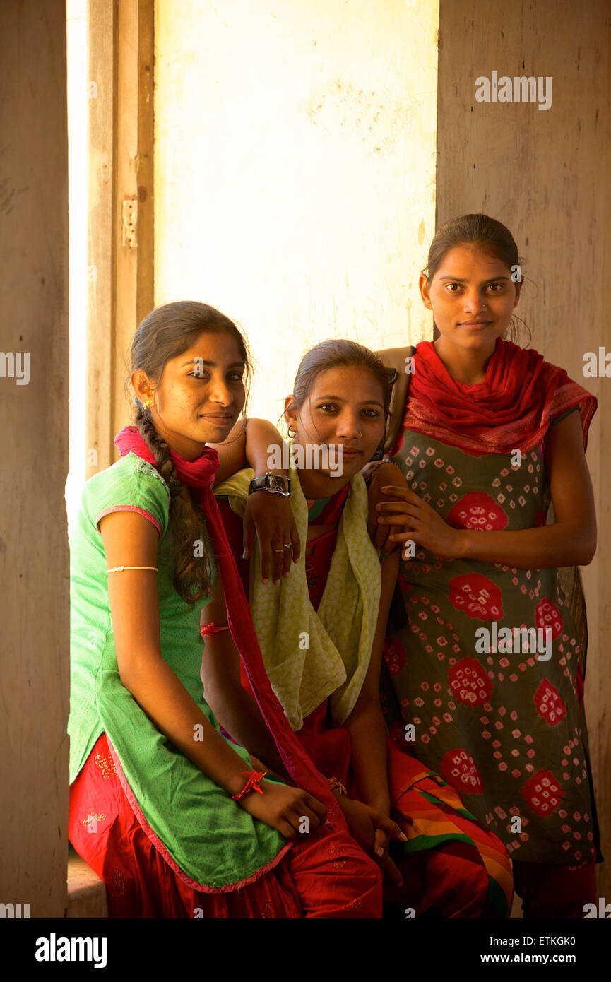 Young Indian women at the Monsoon Palace, Udaipur, Rajasthan, Indiaethnic - Stock Image