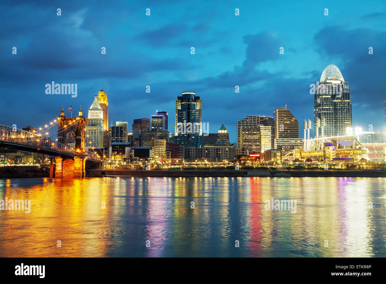 Cincinnati downtown overview early in the night - Stock Image