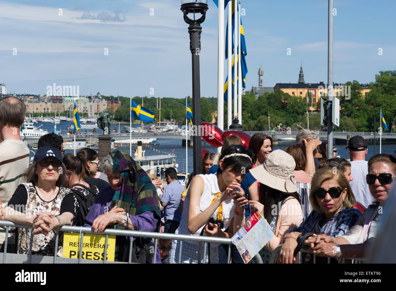 Stockholm, Sweden, June 13, 2015. The wedding of HRH Prince Carl Philip and Princess Sofia, Sweden. Long wait and - Stock Image