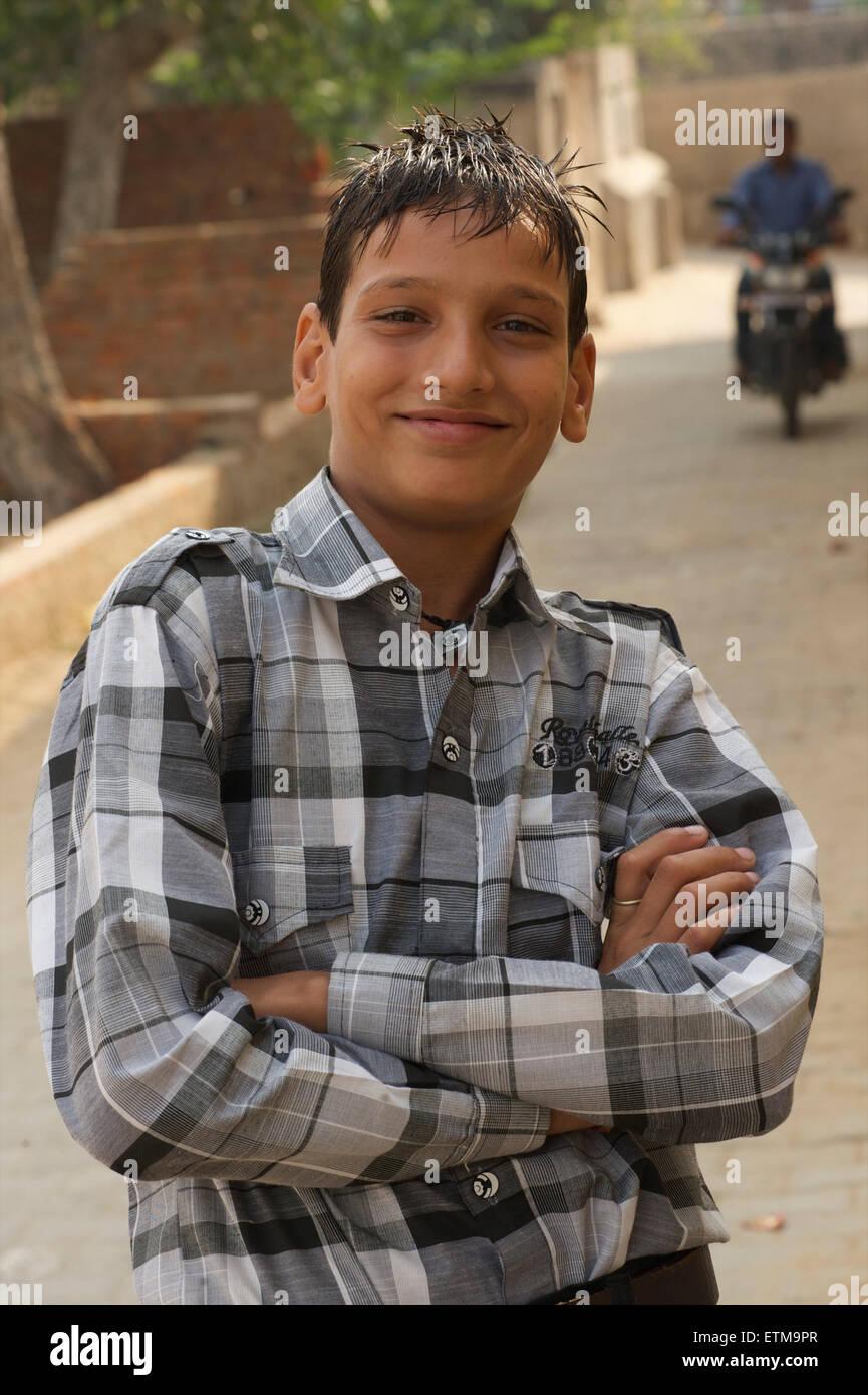 Indian teenage boy. Mandawa, Shekawati region, Rajasthan India - Stock Image