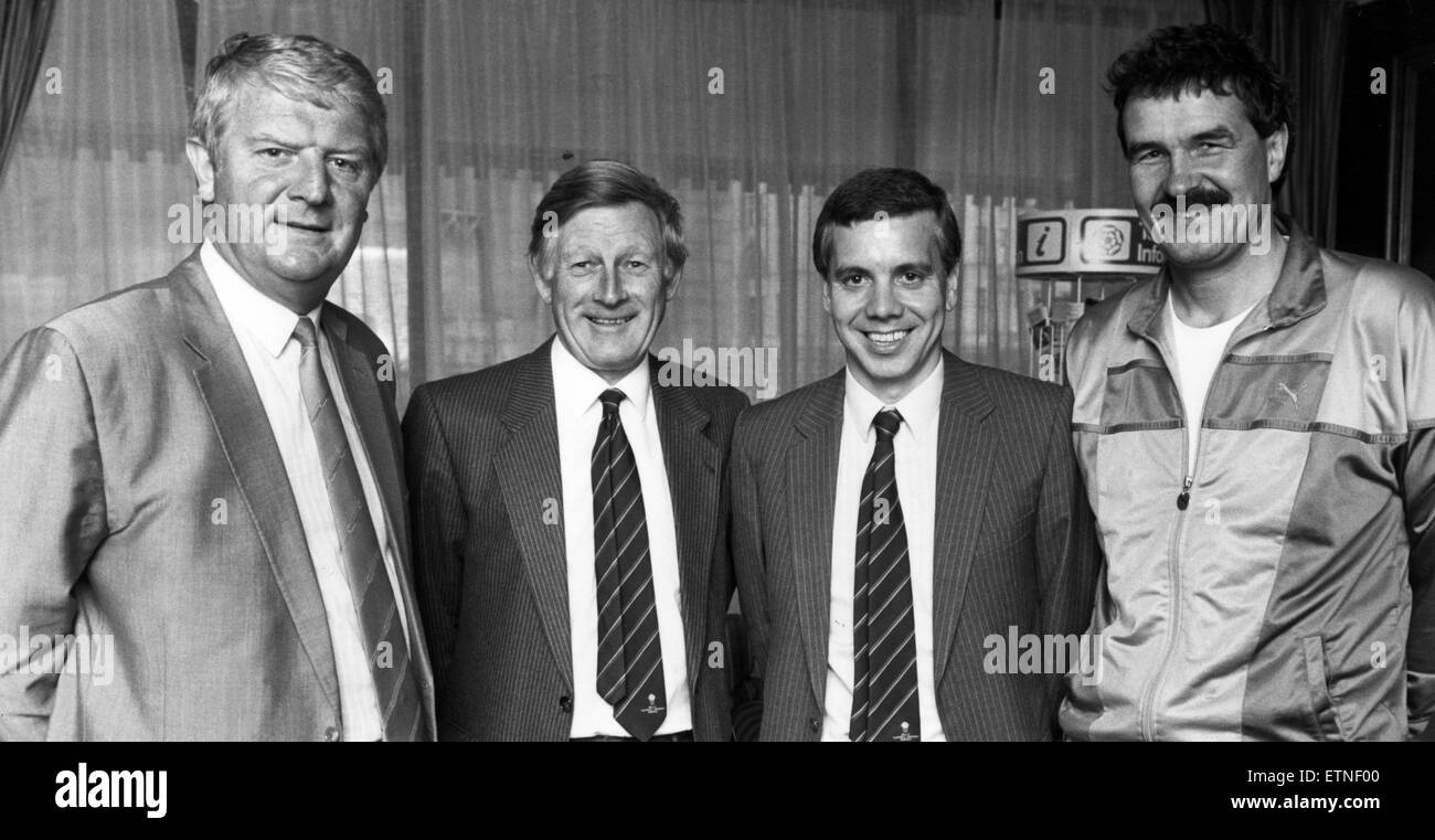 Ian Hargraves and Ken Rogers with Brian Labone and Ron Yeats, who have joined the Dixie Dean Memorial Trophy panel - Stock Image