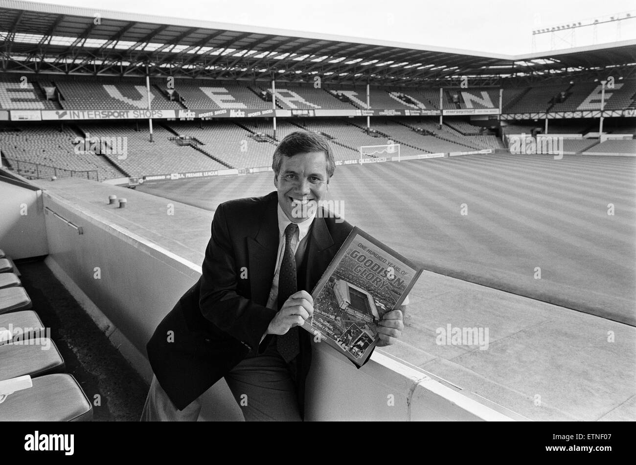 Ken Rogers, Book launch, One Hundred Years of Goodison Glory, The Official Centenary History, Photo-call at Goodison - Stock Image