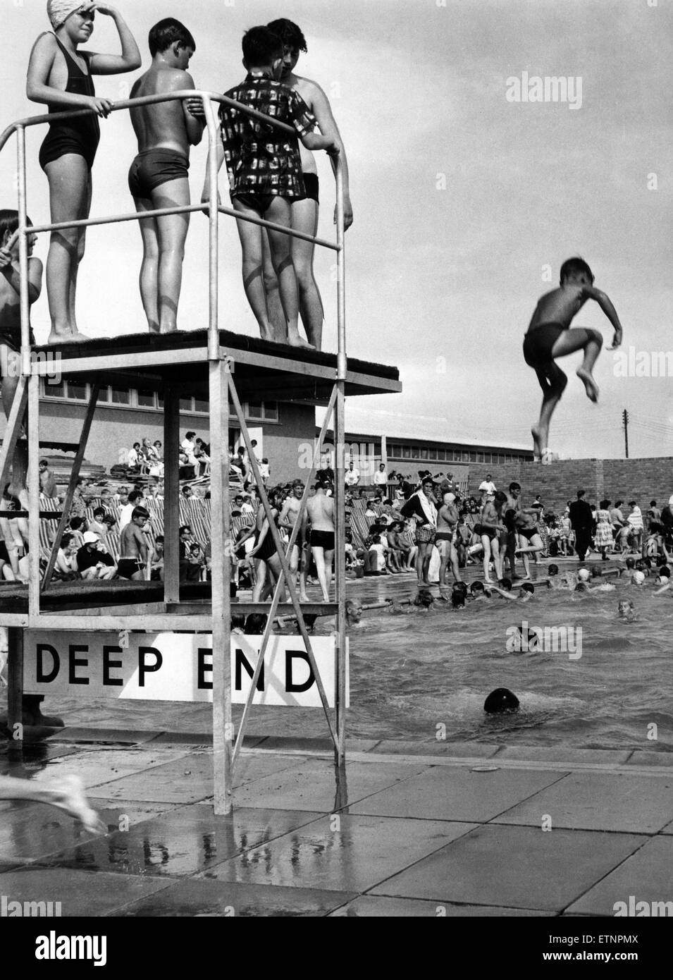 Lido Swimming Pool Black And White Stock Photos Images Alamy