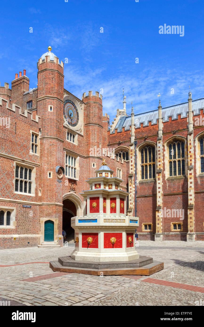 Hampton Court Palace, Richmond, London, England, UK - Stock Image