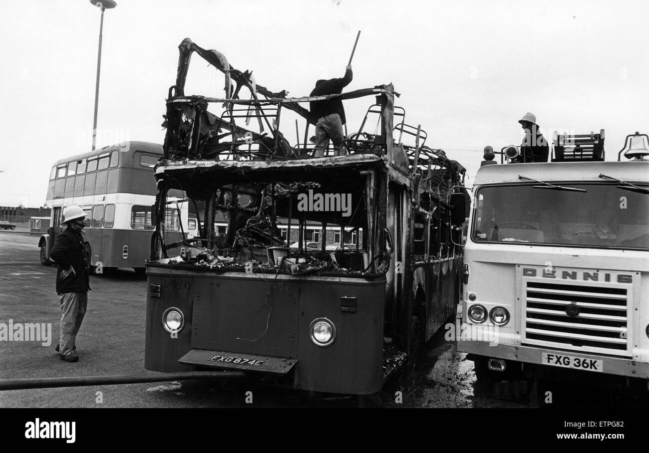 Double Decker Bus completely burnt out, driver Ann Mossman and all passengers escaped unhurt, Middlesbrough, 24th - Stock Image