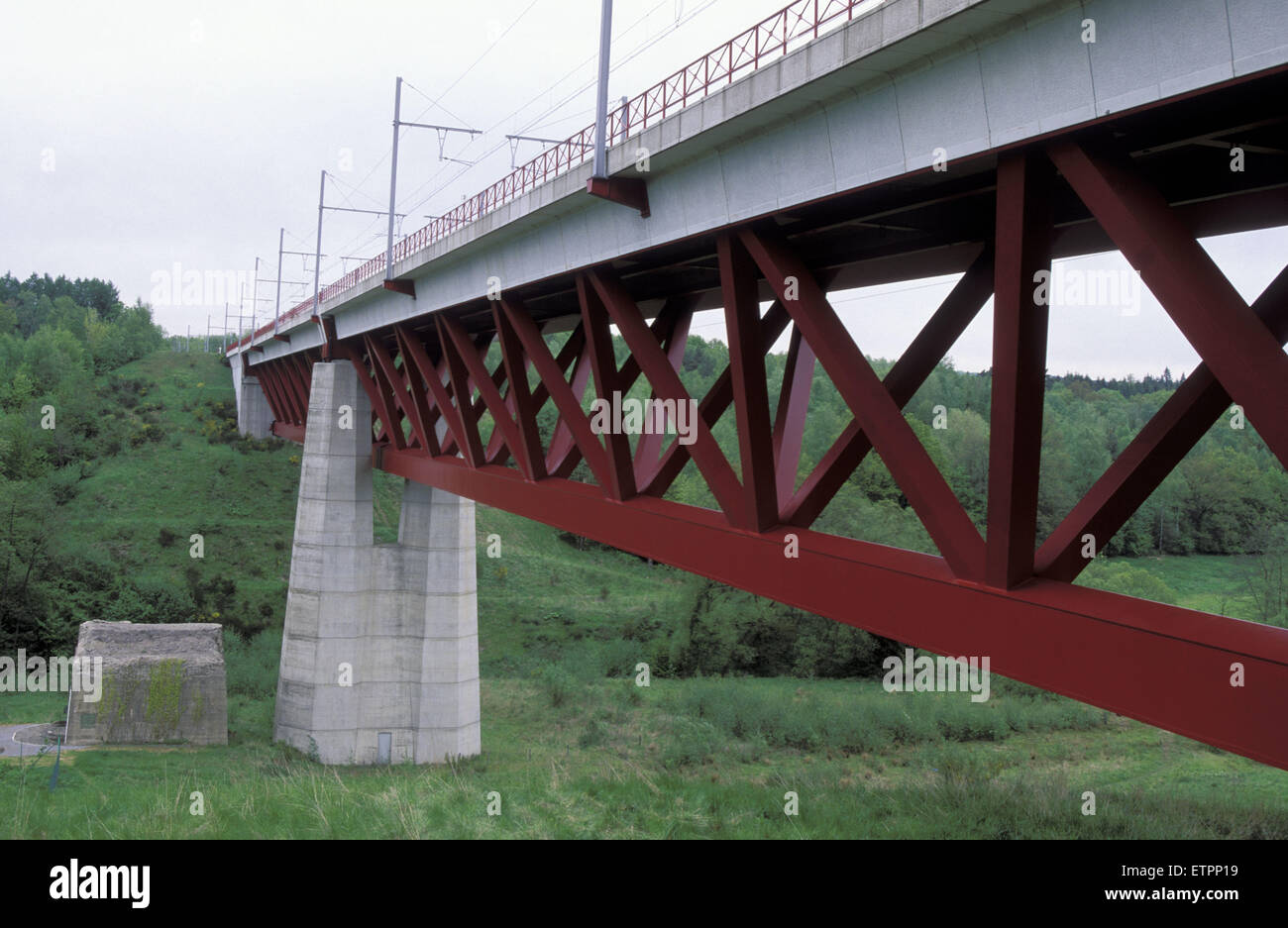 BEL, Belgium, Eastbelgium, Hauset-Hergenrath, railroad bridge, Hammerbuecke, Hammer bridge,  railroad track for Stock Photo