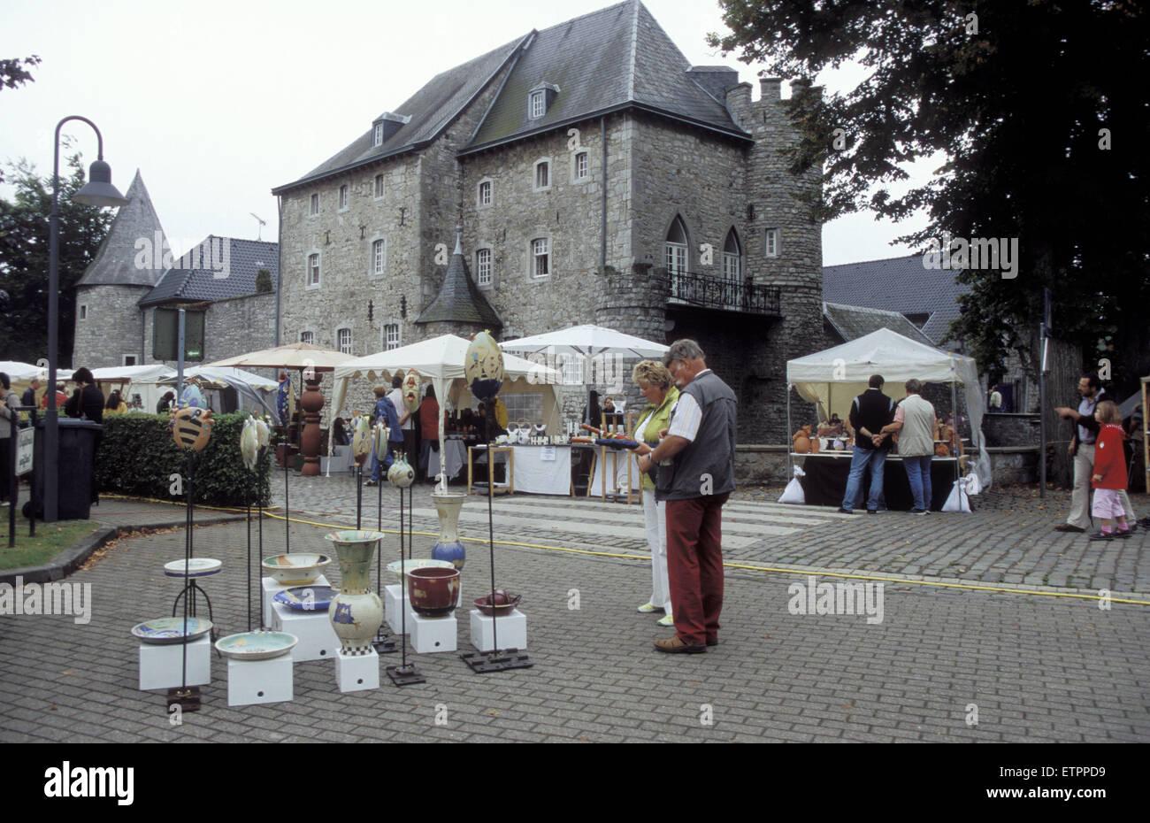 BEL, Belgium, Eastbelgium, Raeren, pottery market at castle Raeren.  BEL, Belgien, Ostbelgien, Raeren, Toepfermarkt Stock Photo