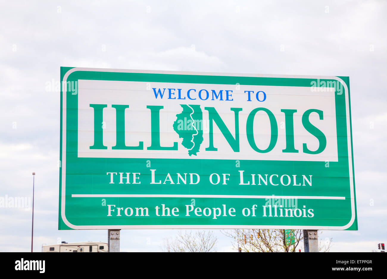 Welcome to Illinois sign at the state border Stock Photo