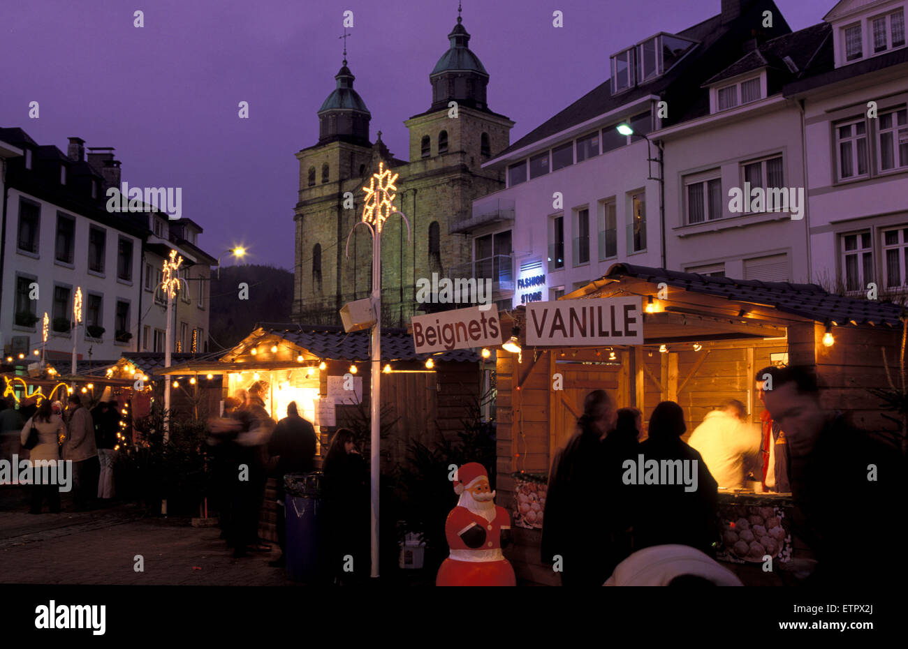 BEL, Belgium, Eastbelgium, Malmedy, Christmas market at the Place Albert I. and the church St. Peter and Paul.  Stock Photo