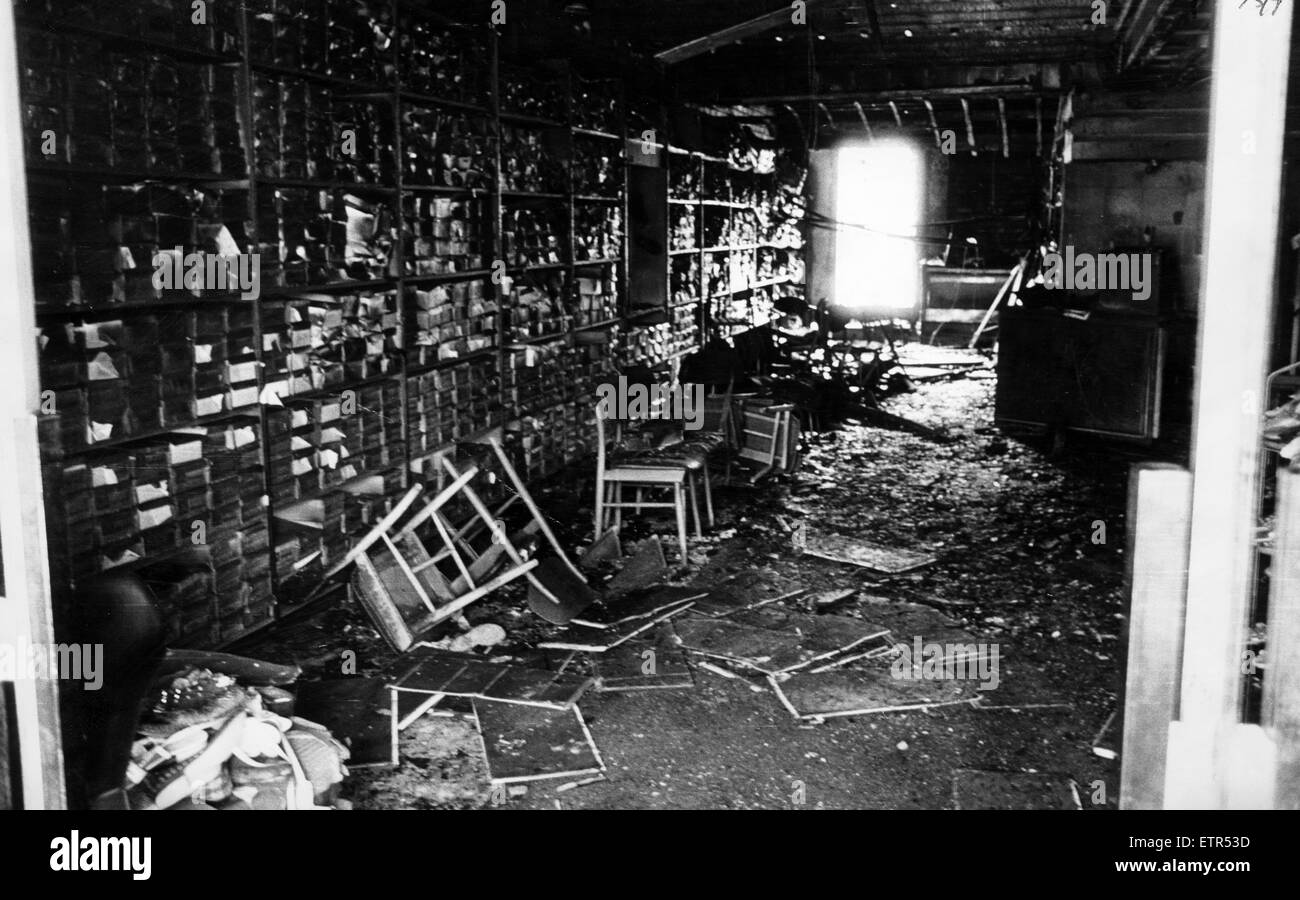 Direct Shoe Shop severely damaged by fire, Darlington, 17th August 1972. - Stock Image