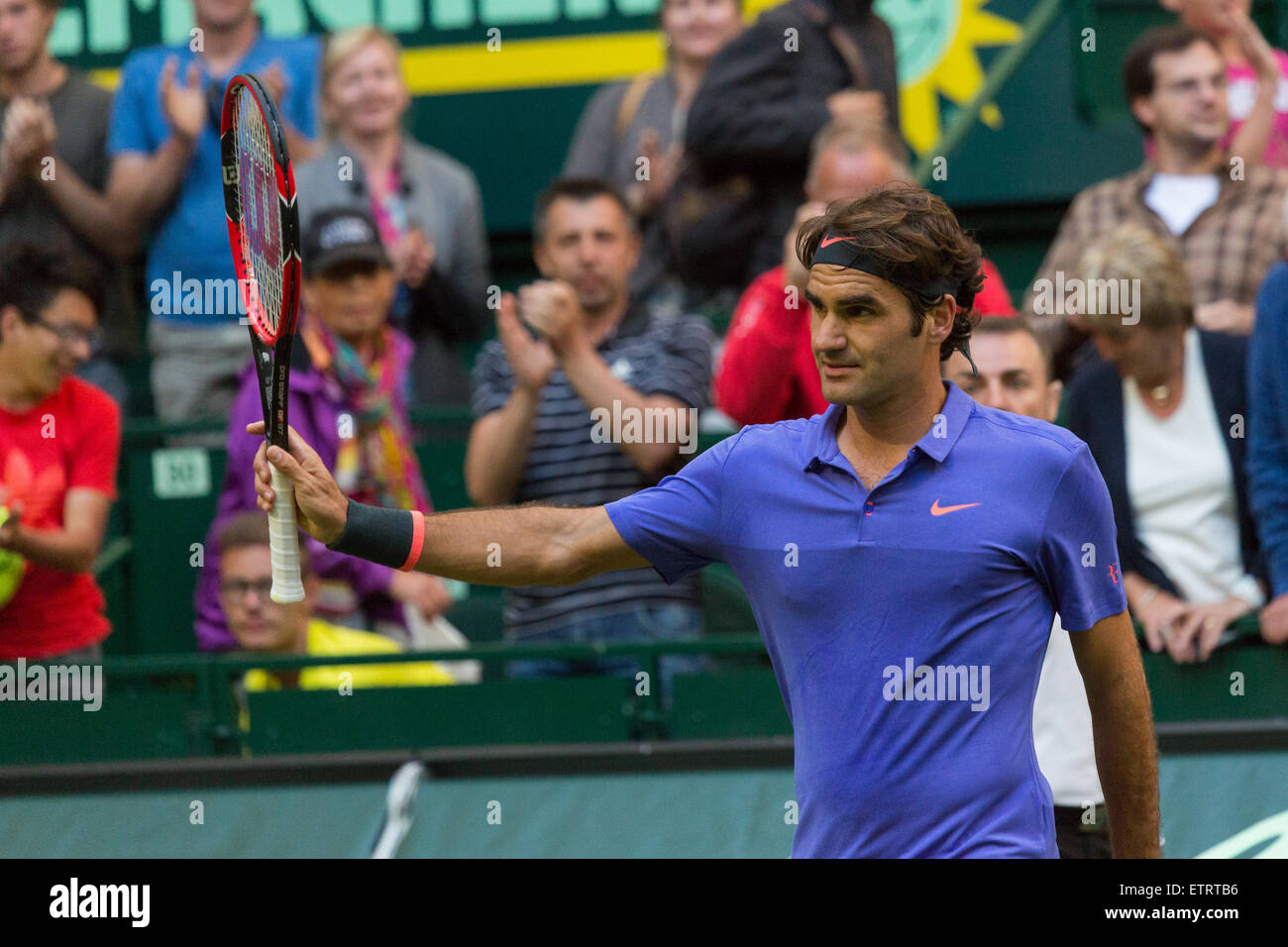 Roger Federer (SUI) acknowledges the crowd after his first round match in  the Gerry 15a6d9456d65