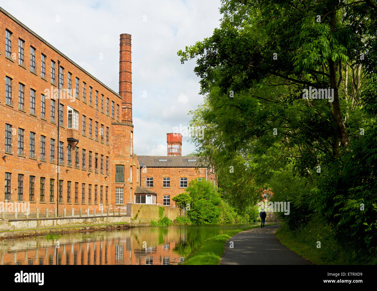 The Leeds-Liverpool Canal in Leeds, West Yorkshire, England UK - Stock Image