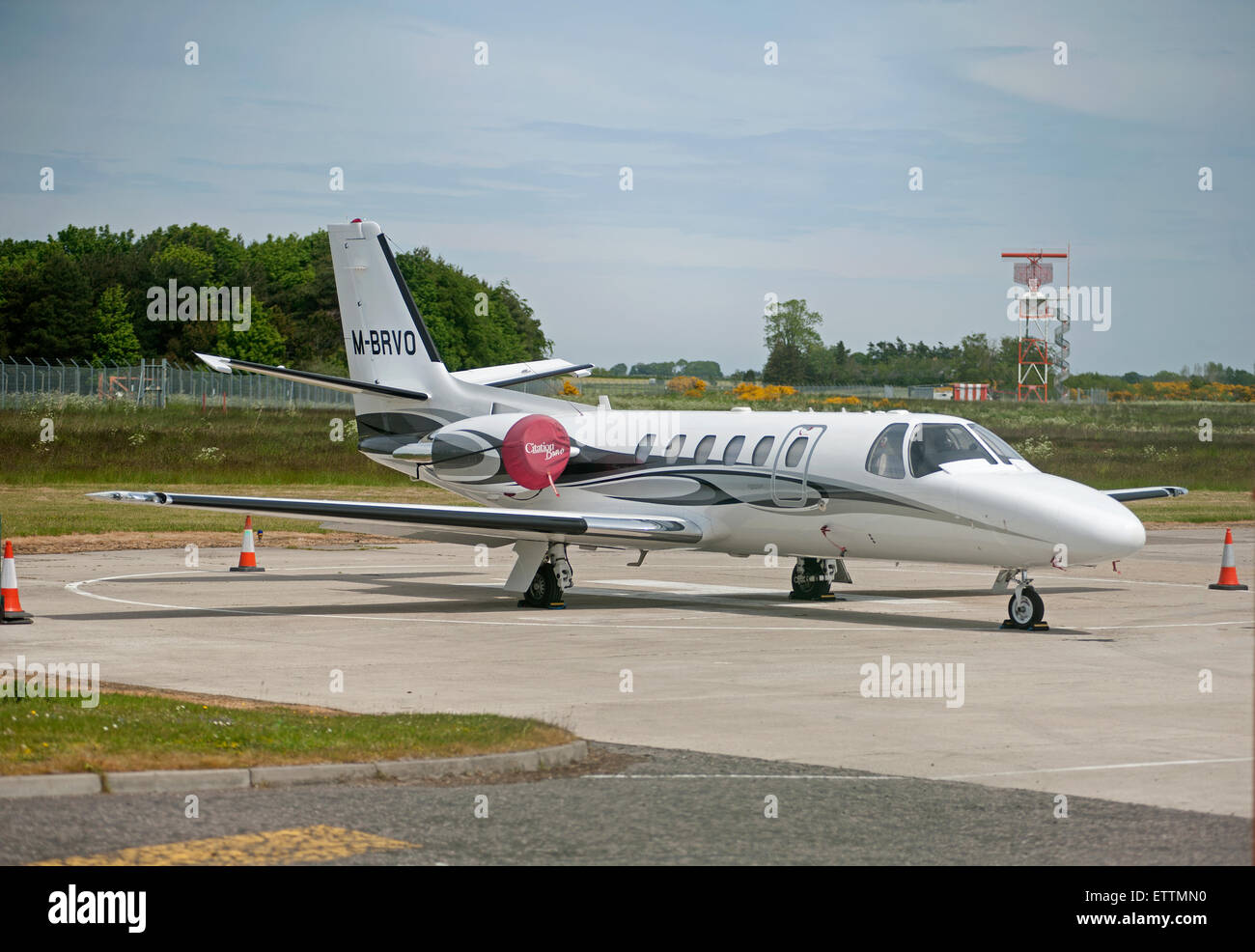 Cessna 550 Citation Bravo at Inverness Scotland.  SCO 9889. - Stock Image