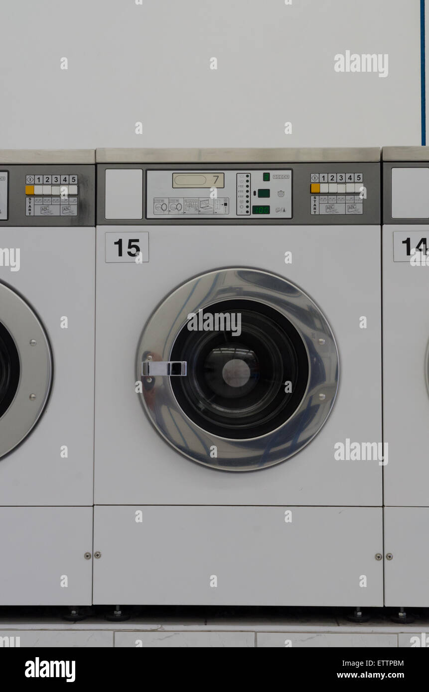 Coin Washing Machine >> Coin Laundry Stock Photos Coin Laundry Stock Images Alamy