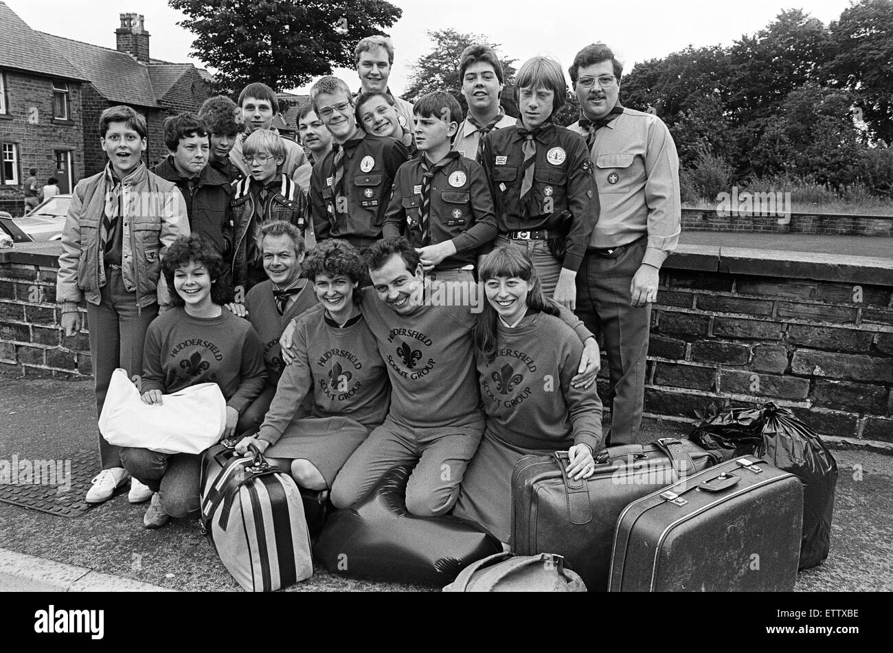 This party of scouts, venture scouts and leaders from the 43rd Crosland Moor group left Huddersfield for a fortnight's - Stock Image